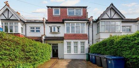 Sutton Rd, London N10, UK - Source: Black Katz