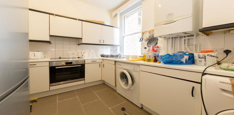 4 Bedroom Flat to rent in Wymering Road, MAIDA VALE W9 33662