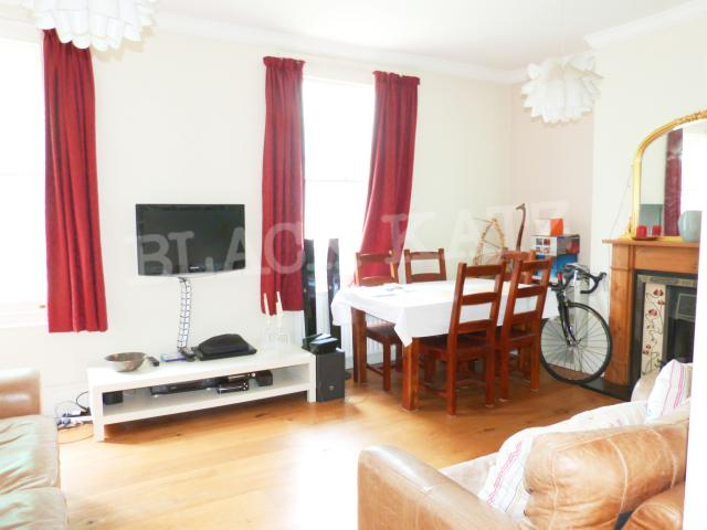 4 Bedroom Flat to rent in Maygrove Road, West Hampstead ...